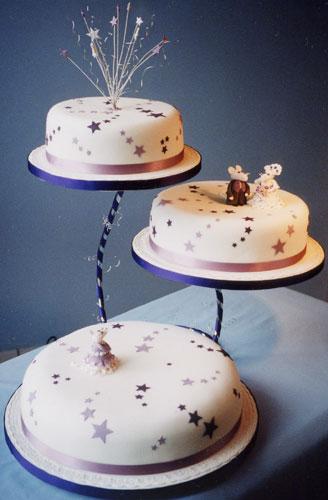 Miranda Roberts Cakes Wedding Cakes Birthday Cakes And Christmas Cakes